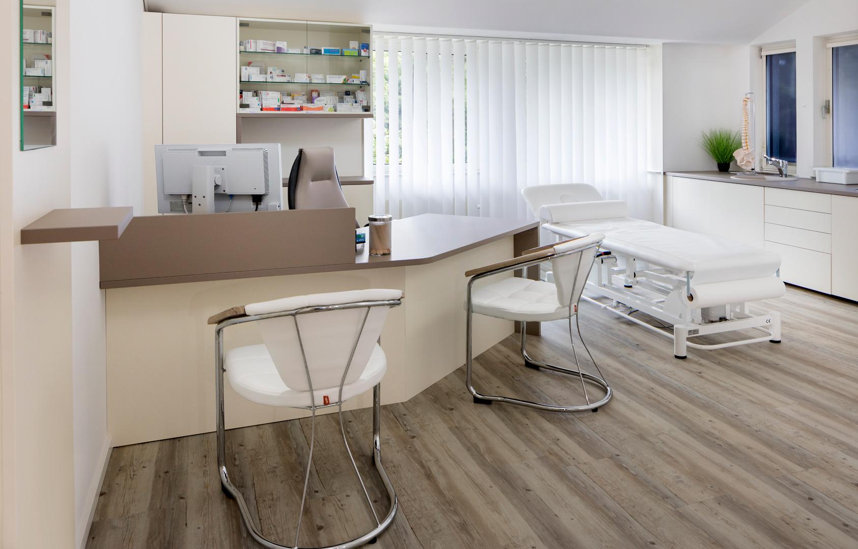Arztpraxis Behandlungszimmer